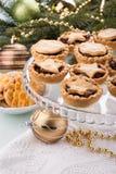 Mince pie casalinghi tradizionali della frutta immagini stock