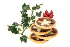 Mince pies and holly Royalty Free Stock Photography