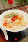 mince wieprzowiny krewetki ryż polewkę Fotografia Stock
