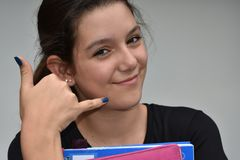 Minderheids Vrouwelijke Student And Mobile Phone stock fotografie