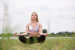 Mindfulness medytacja w naturze Zdjęcie Stock