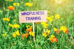 Mindfulnessutbildningsskylt arkivfoto