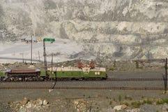 Mine à ciel ouvert sur des exploitations minières en amiante, Russie Image libre de droits