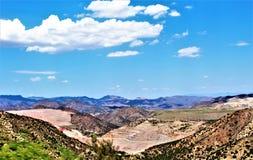 Mine d'oiseau bleu, réserve forestière de Tonto, secteur de Globe-Miami, Gila County, Arizona, Etats-Unis Photos libres de droits