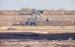 Mine de charbon brune à ciel ouvert Piqûre ouverte Images libres de droits