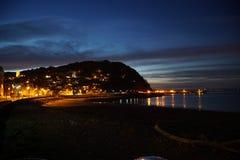 Minehead-Küste an der blauen Stunde lizenzfreies stockfoto
