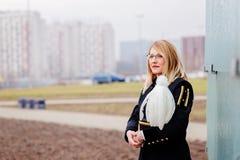 Mineiro da mulher de funcionamento no uniforme da parada da gala Fotos de Stock