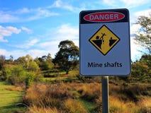 Minenschachtwarnschild Stockbilder