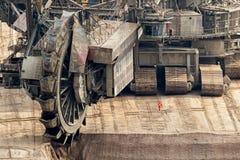 mineração da máquina escavadora da Cubeta-roda fotografia de stock royalty free