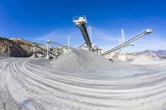 Mineração e fábrica de tratamento de poço aberto fotos de stock