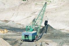 Mineração open-cast ambarina em Yantarny, Rússia imagem de stock