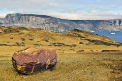 Mineraal eiland door Uummannaq, Groenland N/W Royalty-vrije Stock Foto