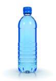 Mineraalwater in plastic fles Stock Afbeeldingen