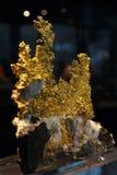 Mineral del oro Fotos de archivo libres de regalías