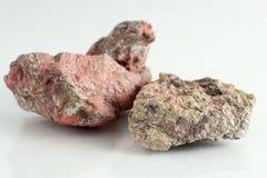 Mineral hermoso y natural del cinabrio fotos de archivo