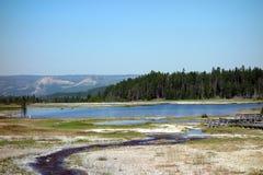 Mineral-laden vatten på yellowstone parkerar Royaltyfria Bilder