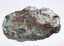 Minerale geologico dei cristalli di geode del semigem della gemma di Astrophyllite Fotografia Stock