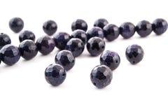 Mineralisk Aventurine för blått för ädelstensten som gemstone isoleras på vit bakgrund Arkivfoto
