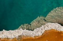 mineralisk pöl yellowstone arkivbilder