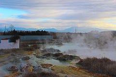 Mineraliska öknar av 70 grader nära det Rupite mineralkomplexet Royaltyfri Foto