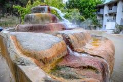 Mineraliskt medicinskt vatten för Pam Thermal Hotel Hot vår arkivbilder