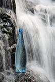 mineralvattenvattenfall Royaltyfri Fotografi