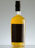 Mineralwasser des Glases bottle Stockfotografie
