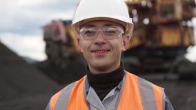 Minero del trabajador de explotación minera de la mina de carbón almacen de video