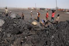 Mineros de carbón en la India Imagen de archivo