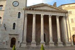 Minerva-Tempel i Assisi - Italien Arkivbilder