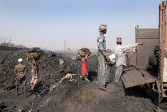 Mines de charbon en Inde image stock