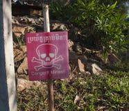 Mines de danger, sol de dégagement après le combat photos libres de droits