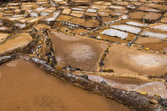 Mines de sel de Maras près du village de Maras, vallée sacrée, Pérou Images libres de droits