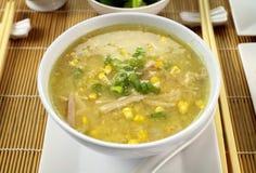 Minestra cinese del cereale e del pollo Immagini Stock