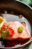 Minestra del pesce fatta del salmone Immagini Stock Libere da Diritti
