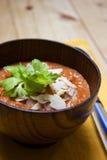 Minestra del pomodoro del pepe rosso con le mandorle Fotografia Stock