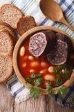 Minestra deliziosa con la cima di verticale di asturiana di Fabada del sanguinaccio Immagine Stock