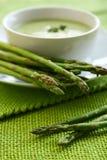 Minestra dell'asparago immagine stock