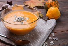 Minestra della zucca di autunno Fotografie Stock Libere da Diritti