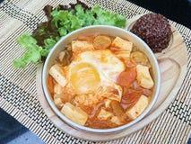 Minestra di Kimchi del tofu con il seme marrone immagine stock
