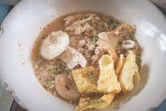 Minestra di pasta della carne di maiale Fotografie Stock