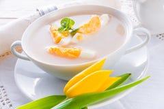 Minestra polacca di Pasqua con l'uovo Fotografie Stock Libere da Diritti
