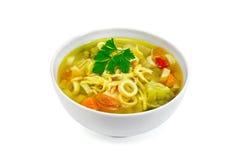 Minestrone da sopa na bacia branca com salsa Fotos de Stock