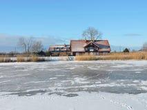 By Minge i vintern, Litauen Royaltyfria Foton