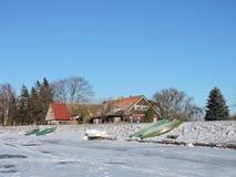 By Minge i vintern, Litauen Royaltyfri Fotografi