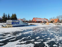 By Minge i vintern, Litauen Arkivbilder