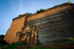 Mingun Pahtodawgyi,古老巨大的未完成的塔从18世纪 免版税库存照片