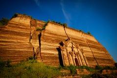 Mingun Pahtodawgyi, antyczna monumentalna uncompleted pagoda od xviii wiek fotografia stock