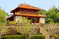 Minh Lau paviljong på Minh Mang Emperor Tomb, Vietnam Arkivfoto