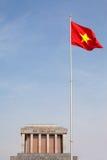 minh vietnam för mausoleum för chiflaggahanoi ho Arkivfoto